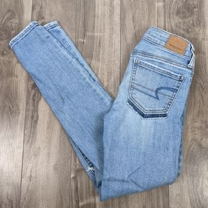American Eagle Jeggings Size 00 Light Wash Distressed